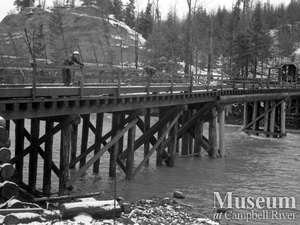The logging bridge over the Campbell River