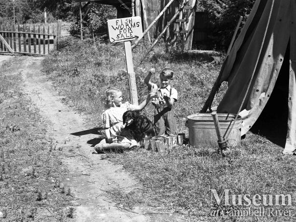 Children selling worms, Campbell River