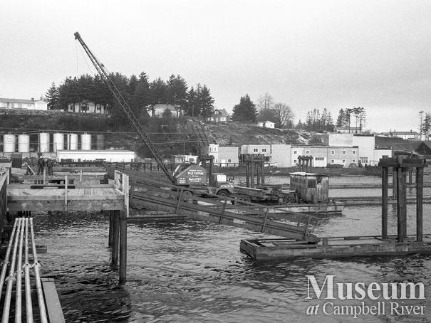 Construction of the Campbell River Wharf