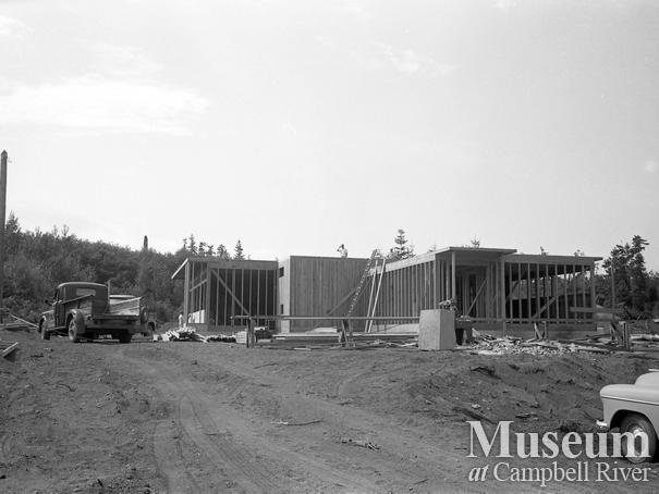 Maple School under construction