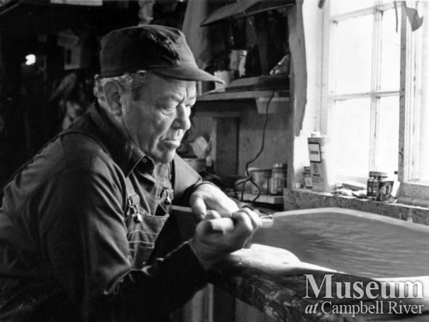 Sam Henderson carving