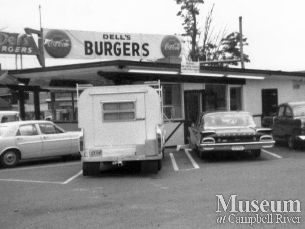 View of Del's Burgers, Campbell River