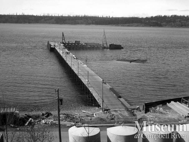 Constructing the new Government Wharf, Campbell River