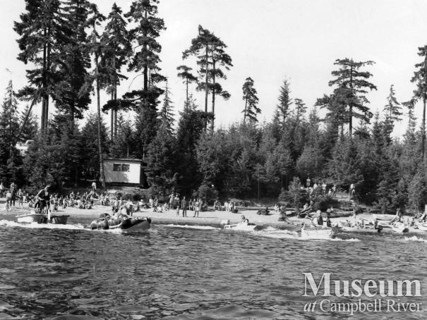 Bathtub races at the McIvor Lake Water Festival